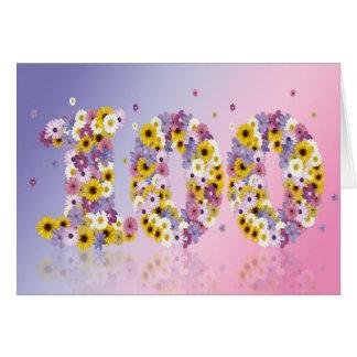 100a tarjeta de cumpleaños con las letras floridas