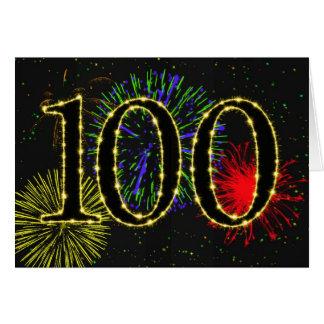 100o Tarjeta de cumpleaños con los fuegos