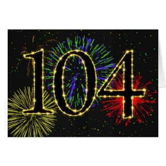104o Tarjeta de cumpleaños con los fuegos
