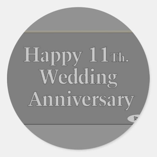 11mo feliz. Acero del aniversario de boda Etiqueta Redonda