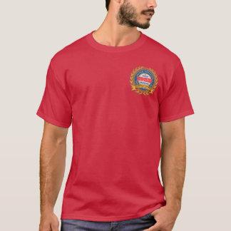 135o La camiseta oscura de los hombres del