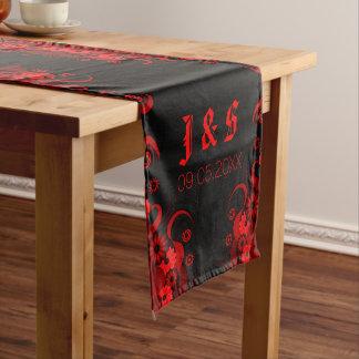 16 x 90 corredores florales negros y rojos de la camino de mesa