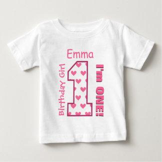 1r Corazones del chica del cumpleaños un nombre de Camisetas