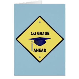 1r grado de la muestra amarilla de la carretera a tarjeta de felicitación