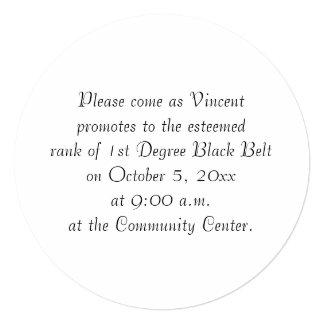 1ra prueba de la correa negra del grado de los invitación 13,3 cm x 13,3cm