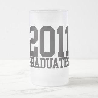 ¡2011 graduados en fuente enrrollada del bloque! taza cristal mate