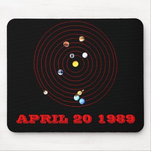 20 DE ABRIL DE 1989 TAPETES DE RATÓN