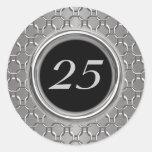 25to aniversario elegante de la plata y de boda etiqueta redonda