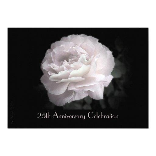 25to Rosa de la invitación de la celebración del a