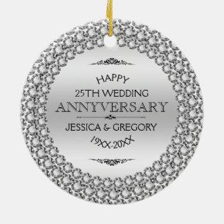 25tos diamantes y plata felices del aniversario de adorno navideño redondo de cerámica