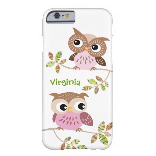 2 búhos lindos en la caja colorida del iPhone 6 de Funda De iPhone 6 Barely There