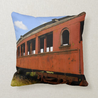 2 echaron a un lado almohada del ferrocarril