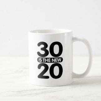30 es los nuevos 20 taza básica blanca
