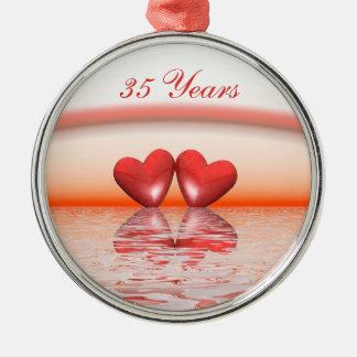 35to Corazones del coral del aniversario Adorno Redondo Plateado