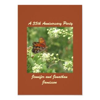 35to Mariposa de la invitación de la fiesta de