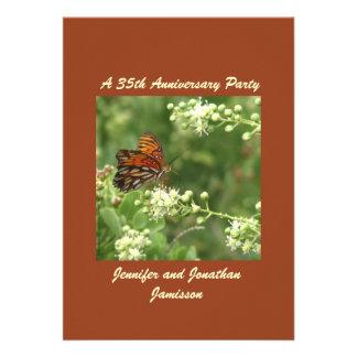 35to Mariposa de la invitación de la fiesta de ani