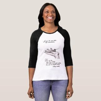 3/4 arte blanco y negro de la cita de la camiseta camiseta