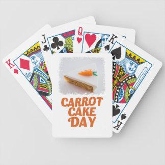 3 de febrero - día de la torta de zanahoria - día baraja de cartas bicycle