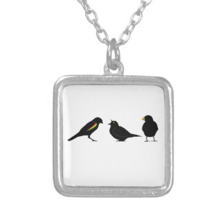 3 pequeños pájaros por el erndub collar plateado