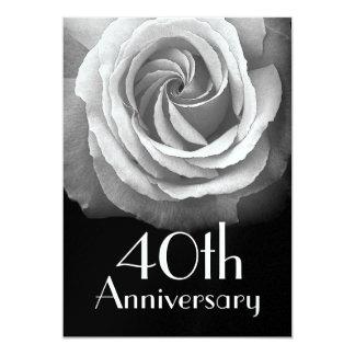 40.o Rosa blanco de plata del aniversario metálico Invitación 12,7 X 17,8 Cm