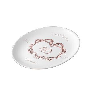 40.o Tipografía de rubíes del aniversario de boda Plato De Porcelana