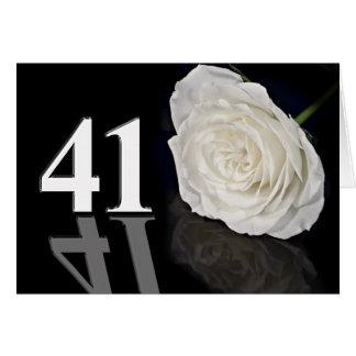 41.o Tarjeta de cumpleaños con un rosa blanco
