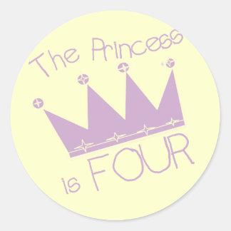 4tas camisetas del cumpleaños de princesa Crown Etiquetas Redondas
