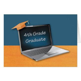 4to Graduación del grado, ordenador con el gorra Tarjeta De Felicitación