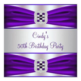 50.a fiesta del cumpleaños de la mujer púrpura del invitación 13,3 cm x 13,3cm