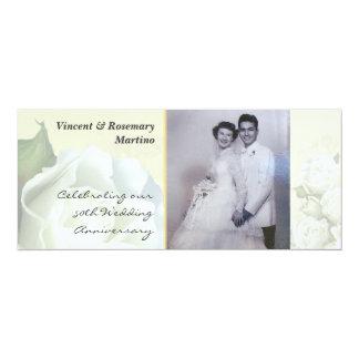 50.o aniversario - boda blanco antiguo subió invitación 10,1 x 23,5 cm