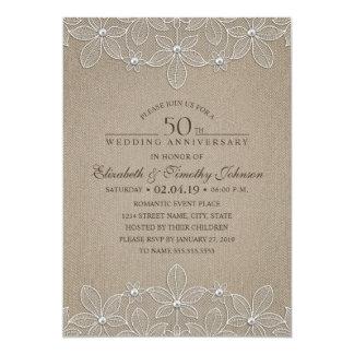 50.o Arpillera y cordón rústicos del aniversario Invitación 12,7 X 17,8 Cm