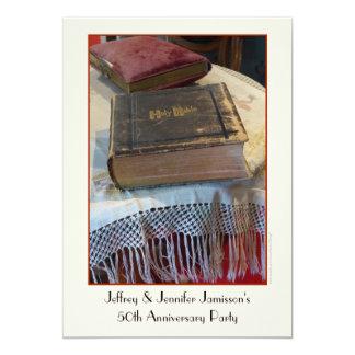 50.o Biblia del vintage de la invitación de la