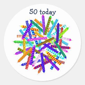 50.o Regalos de cumpleaños Pegatina Redonda