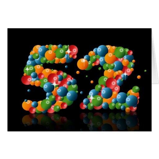 52.o cumpleaños con los números formados de bolas felicitaciones