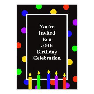55.o Velas coloridas de la invitación de la fiesta