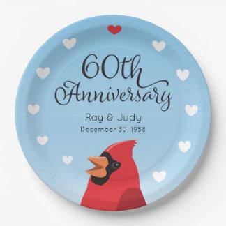 60.o Aniversario, cardenal y corazones de boda Plato De Papel