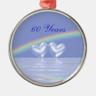 60.o Corazones del diamante del aniversario Adorno Redondo Plateado