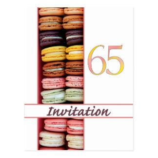65.o Macaron de la invitación de la fiesta de