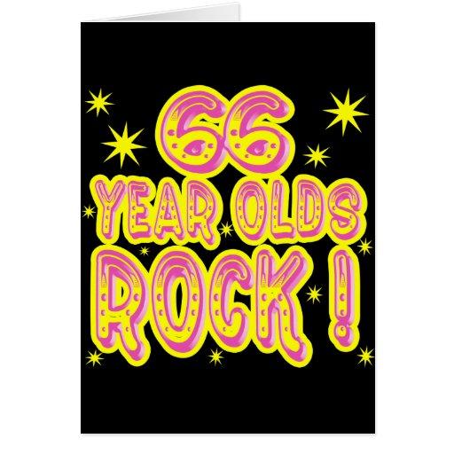 ¡66 años de la roca! Tarjeta de felicitación (rosa