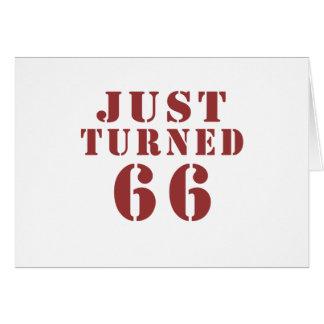 66 apenas dado vuelta tarjeta de felicitación
