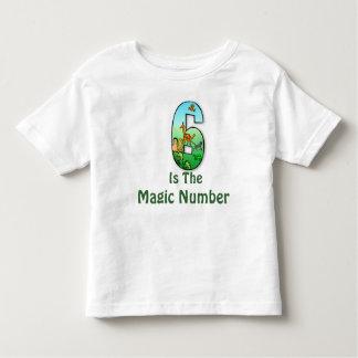 6 es la camiseta de los niños del número mágico