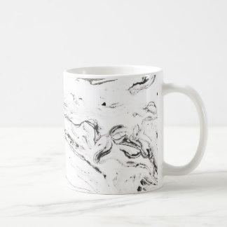 6 pies debajo de la taza clásica de mármol