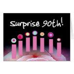 90.o La fiesta de cumpleaños de la sorpresa invita Tarjeta