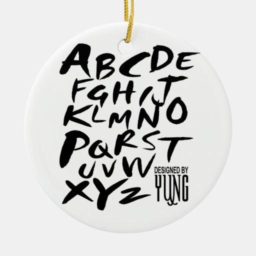 A a letras alfabéticas de Z Adorno Navideño Redondo De Cerámica
