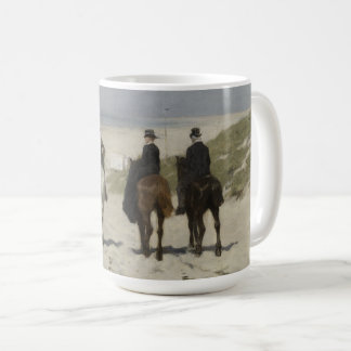 A caballo paseo a lo largo de la playa - taza del