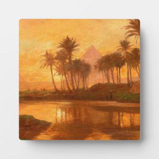 A lo largo de la placa tablero del Nilo con el