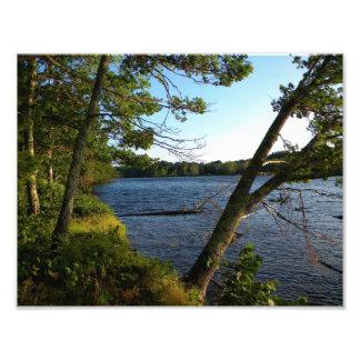 A lo largo de los bancos del río de Stillwater Foto