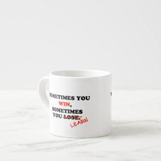 A veces usted frase de motivación de la tipografía taza espresso