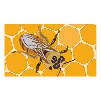 Abeja de la miel en el panal tarjetas de visita