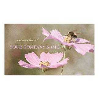 Abeja en la flor rosada tarjetas de visita